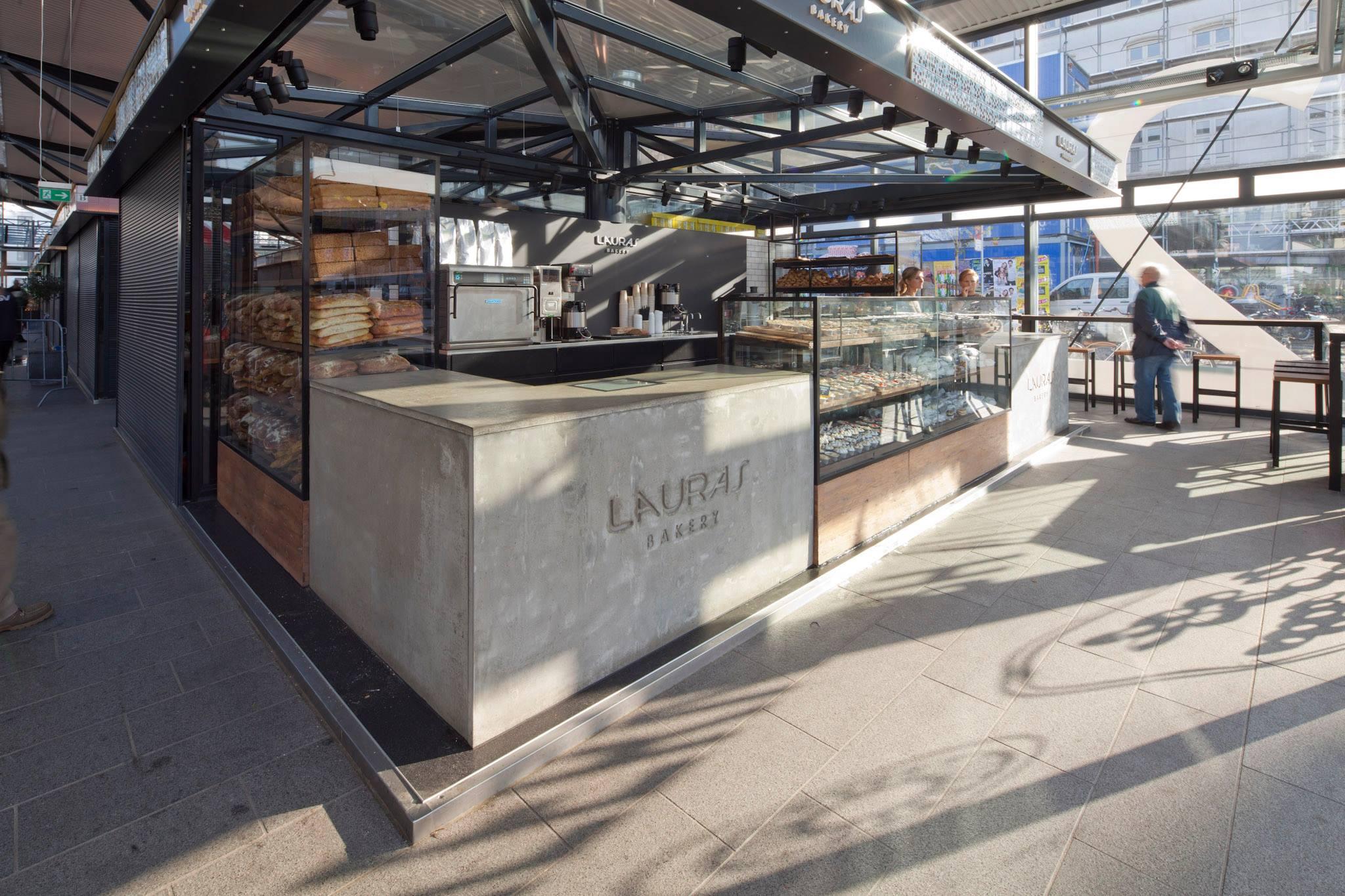 Lauras Bakery - Bedste bageri i Torvehallerne. Lækre kager, wienerbrød formet som snegle, økologisk brød.